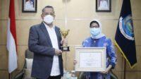 Kota Tangerang Selatan (Tangsel) menerima penghargaan Anugerah Parahita Ekapraya Kategori Utama Tahun 2020. Penghargaan ini diserahkan oleh Kementerian Pemberdayaan Perempuan dan Perlindungan Anak (PPPA), Kamis (23/9/2020).